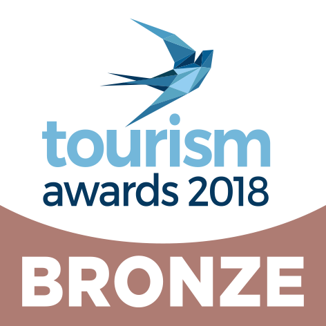 greekly travel 12 tourism.awards2018 logo